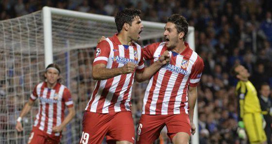 Diego Costa celebra seu gol, o segundo do Atlético.