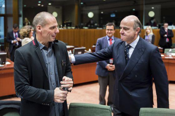 Os ministros Yanis Varoufakis (Grécia) e Luis de Guindos (Espanha).