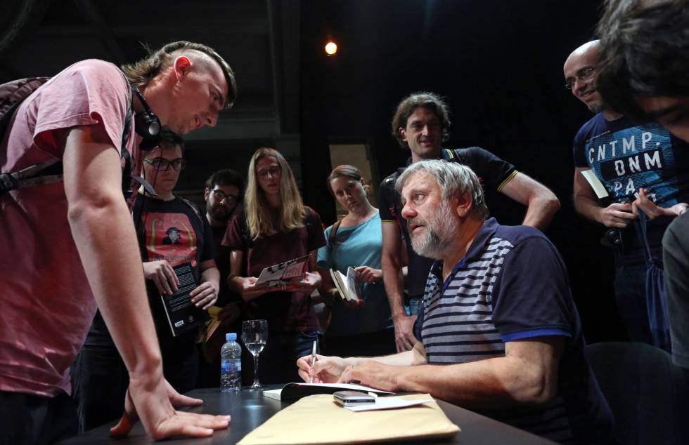 O filósofo e sociólogo esloveno Slavoj Zizek no Círculo de Belas Artes, em Madri.