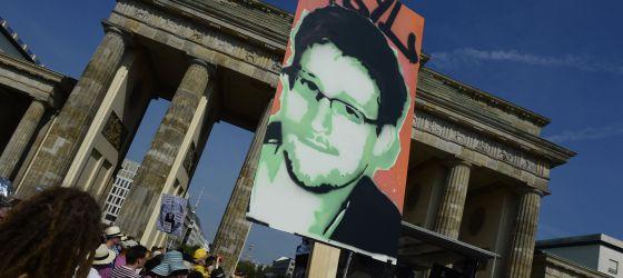 Uma manifestação em defesa de Edward Snowden em Berlim.