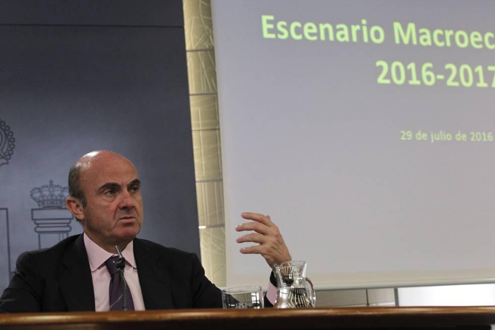 O Ministro da Economia da Espanha, Luis de Guindos.