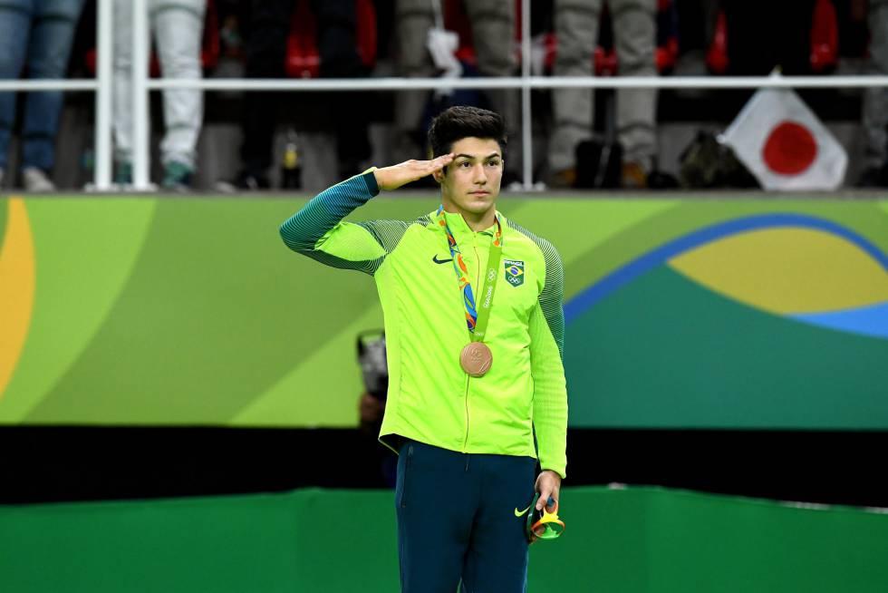 Arthur Mariano Nory, bronze no salto da ginástica artística, é um dos militares da delegação brasileira