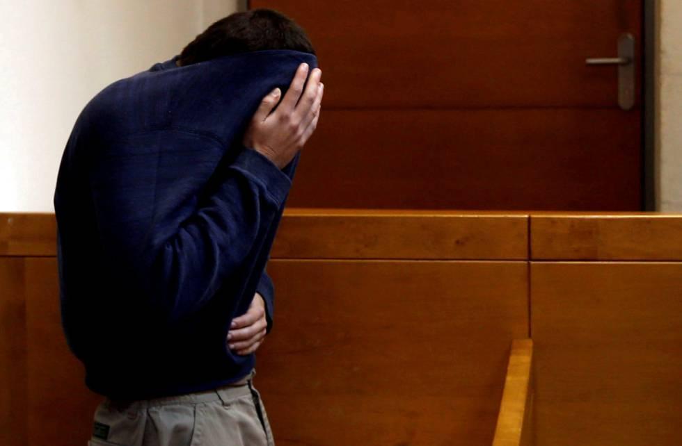 Michael Rum David Kadar, acusado de fazer 2.000 ameaças pela de Internet.