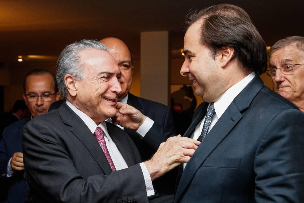 Michel Temer e Rodrigo Maia, nesta segunda durante coquetel com parlamentares.