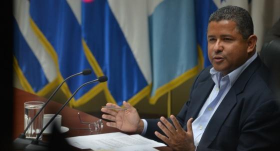 Flores depõe à CPI em 2013.
