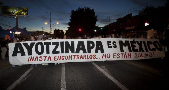 Guadalajara foi às ruas para pedir justiça aos 43 estudantes desaparecidos.