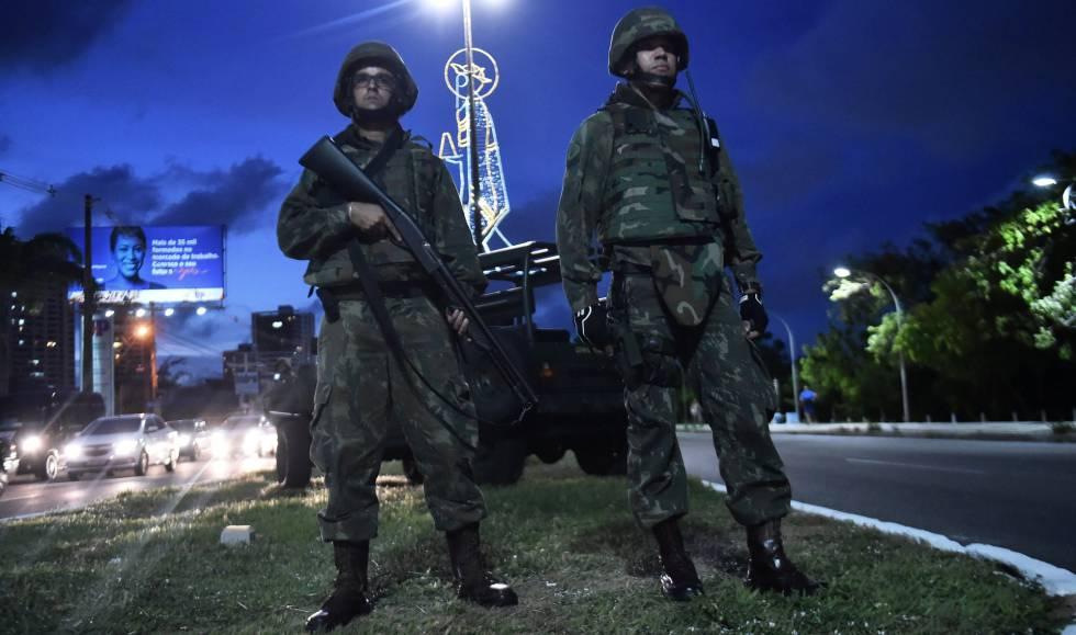Soldados das Forças Armadas patrulham Natal nesta sexta.