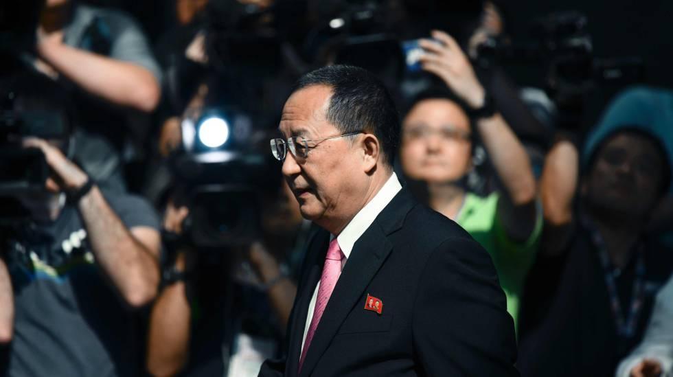 O ministro norte-coreano de Relações Exteriores, Ri Yong-ho