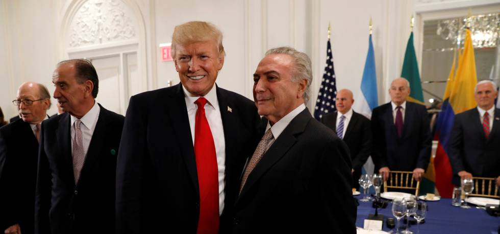 Trump e Temer durante jantar com líderes da América Latina nesta segunda.
