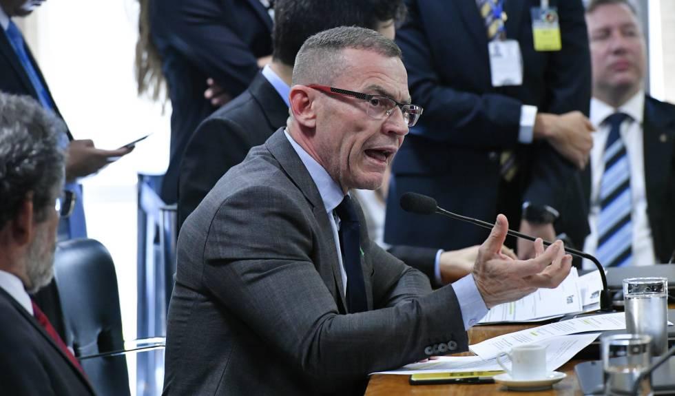 O senador Fabiano Contarato (Rede-ES) durante audiência na CCJ na última quarta-feira.