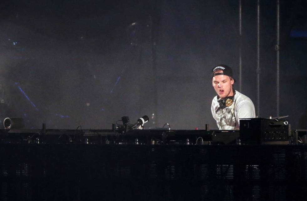 O DJ Avicii, em uma apresentação em 2015.