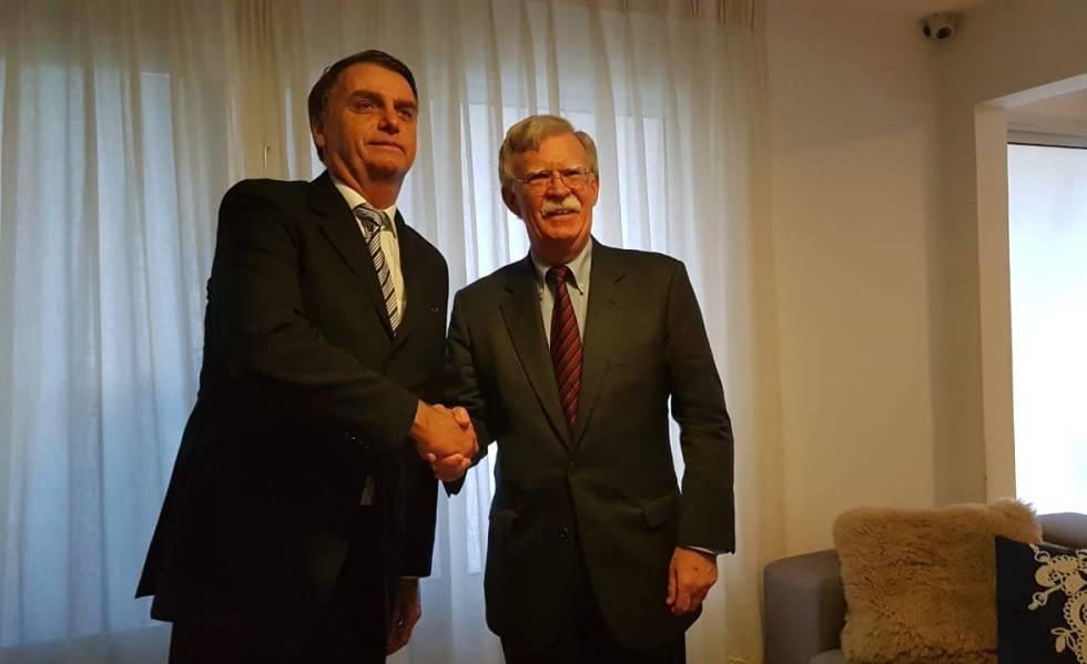 Jair Bolsonaro se reúne com assessor de Segurança Nacional dos EUA, John Bolton, antes da posse, em novembro de 2018.