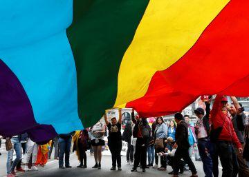 Uniões entre pessoas do mesmo sexo são legais em 22 países, mas vários Governos preparam regras para reprimir o coletivo LGTBI