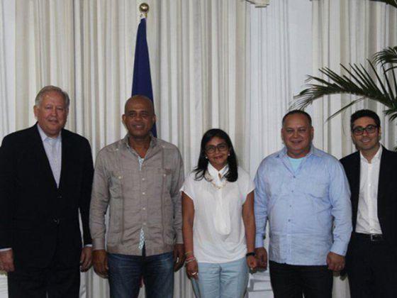 Thomas Shannon, Delcy Rodríguez e Diosdado Cabello.