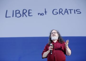 Richard Stallman, pai do 'software livre', critica todas as grandes empresas tecnológicas durante fórum RETINA