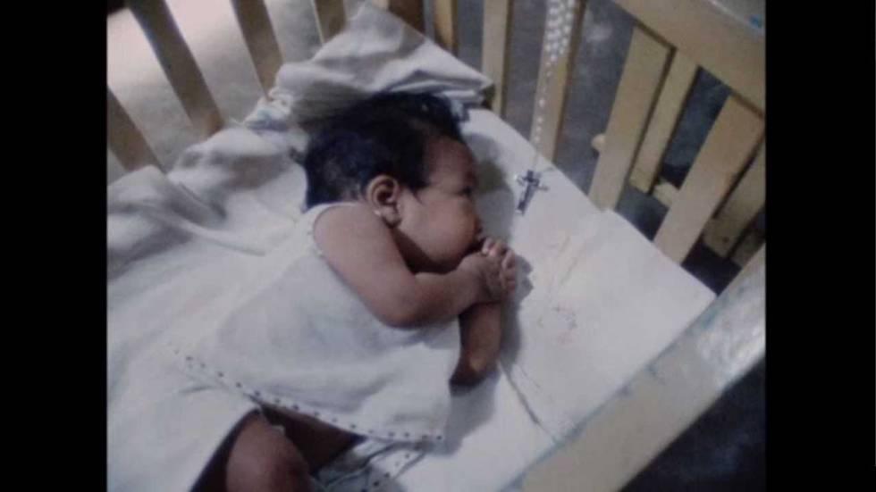 """Fotograma do documentário sobre a """"fazenda de bebês"""""""