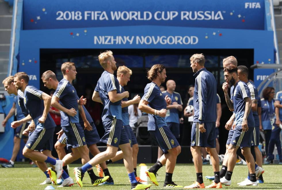 Treino da seleção da Suécia, que enfrenta a Coreia do Sul nesta segunda-feira.
