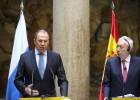 Moscou se recusa a falar com as novas lideranças de Kiev, mas aceita continuar negociando. O ministro russo de Relações Exteriores, Serguei Lavrov, esteve com John Kerry