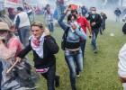 Manifestantes na capital do Paraná fazia ato contra projeto que muda previdência de servidores do Estado, mas texto foi aprovado na Assembleia. Prefeitura foi esvaziada para socorrer os feridos