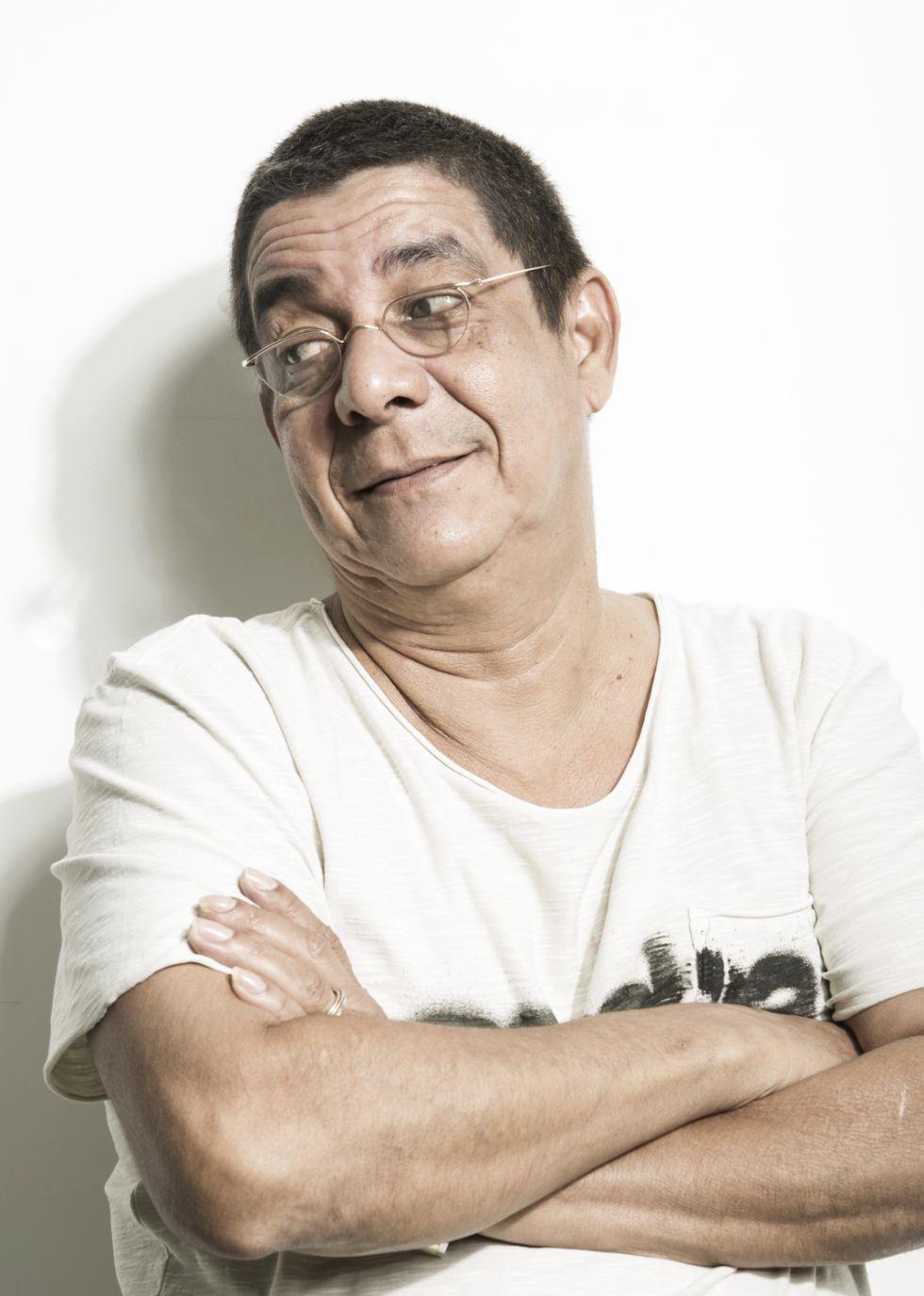 Zeca Pagodinho, no seu estúdio do Rio.