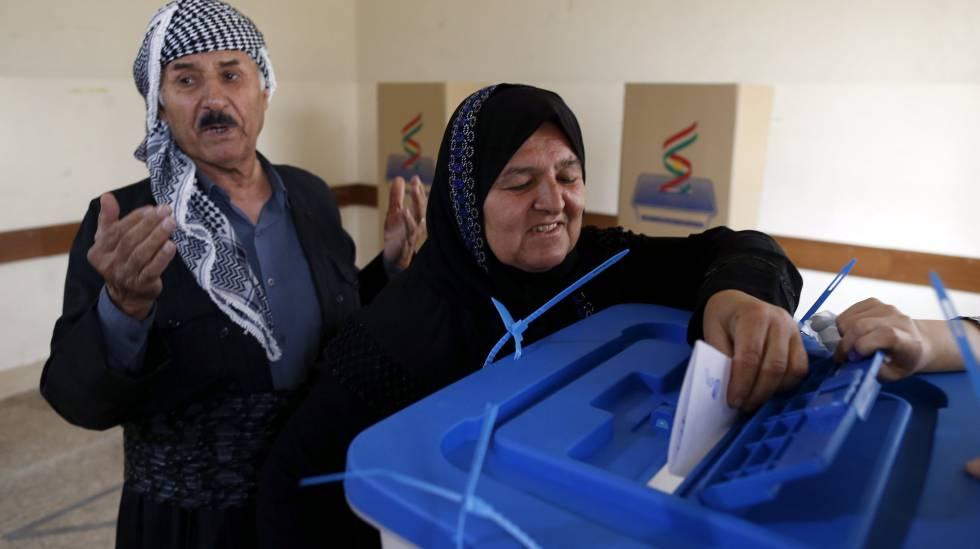 Curda vota no referendo de segunda-feira em um colégio eleitoral de Erbil