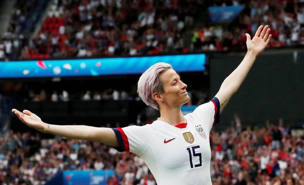 Megan Rapinoe comemora o primeiro gol dos EUA contra a França na Copa do Mundo Feminina, em 28 de junho.