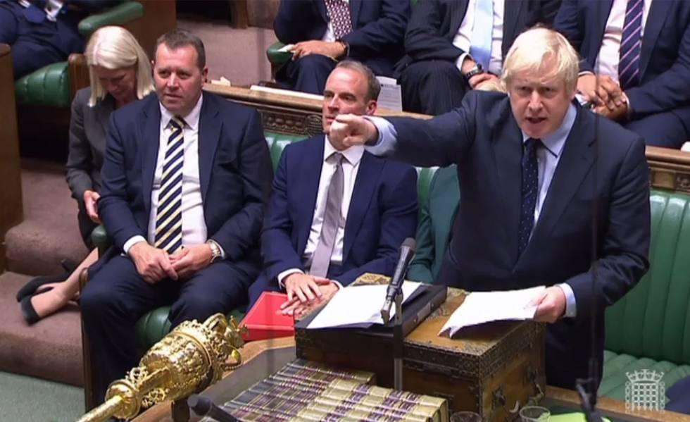 Captura de vídeo mostra o primeiro-ministro britânico durante sua intervenção, nesta terça-feira, no Parlamento.