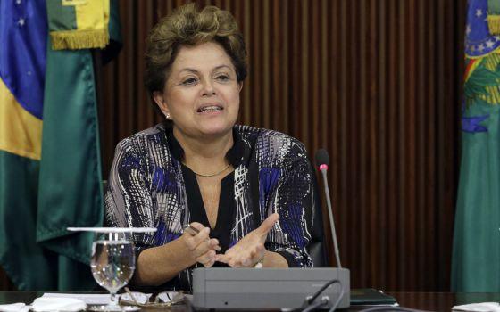 Dilma em reunião com aliados do Congresso, na segunda-feira.