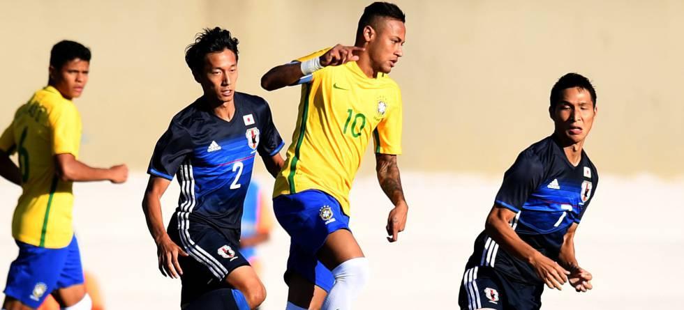 Neymar, capitão do Brasil contra o Japão.