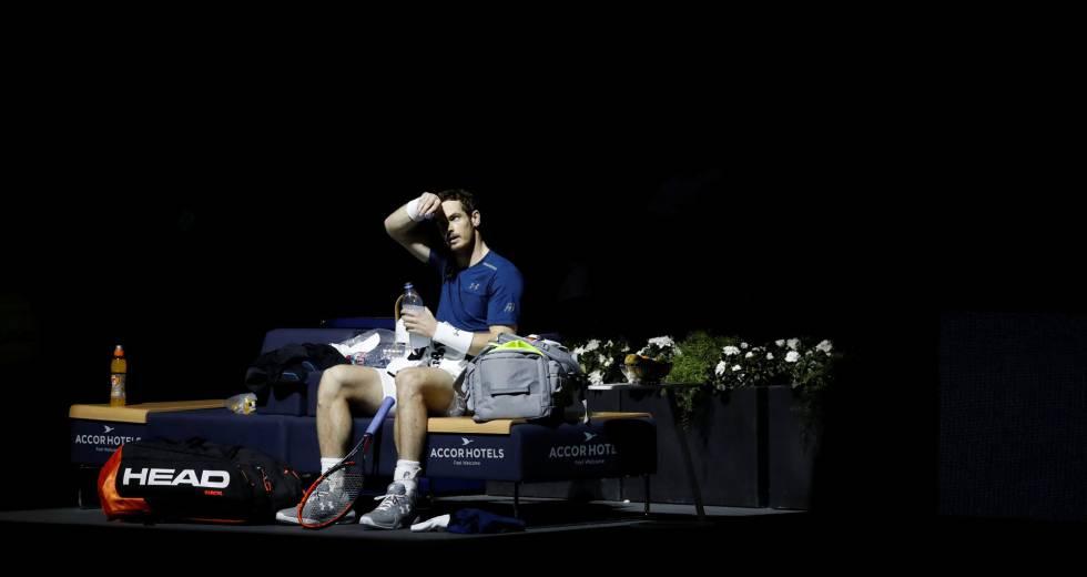 Andy Murray, durante um descanso na final de Paris-Bercy.