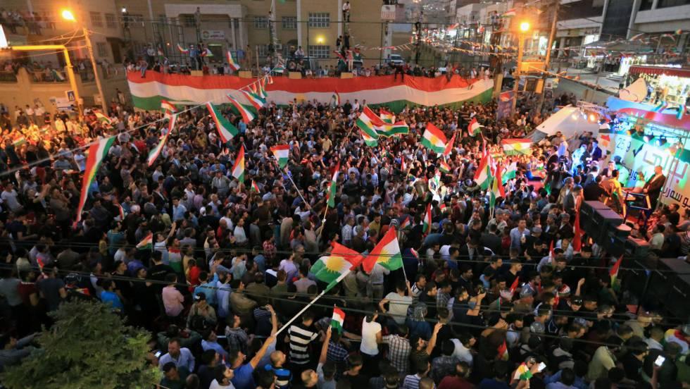 Manifestação a favor da independência na terça-feira, em Duhok, no Iraque