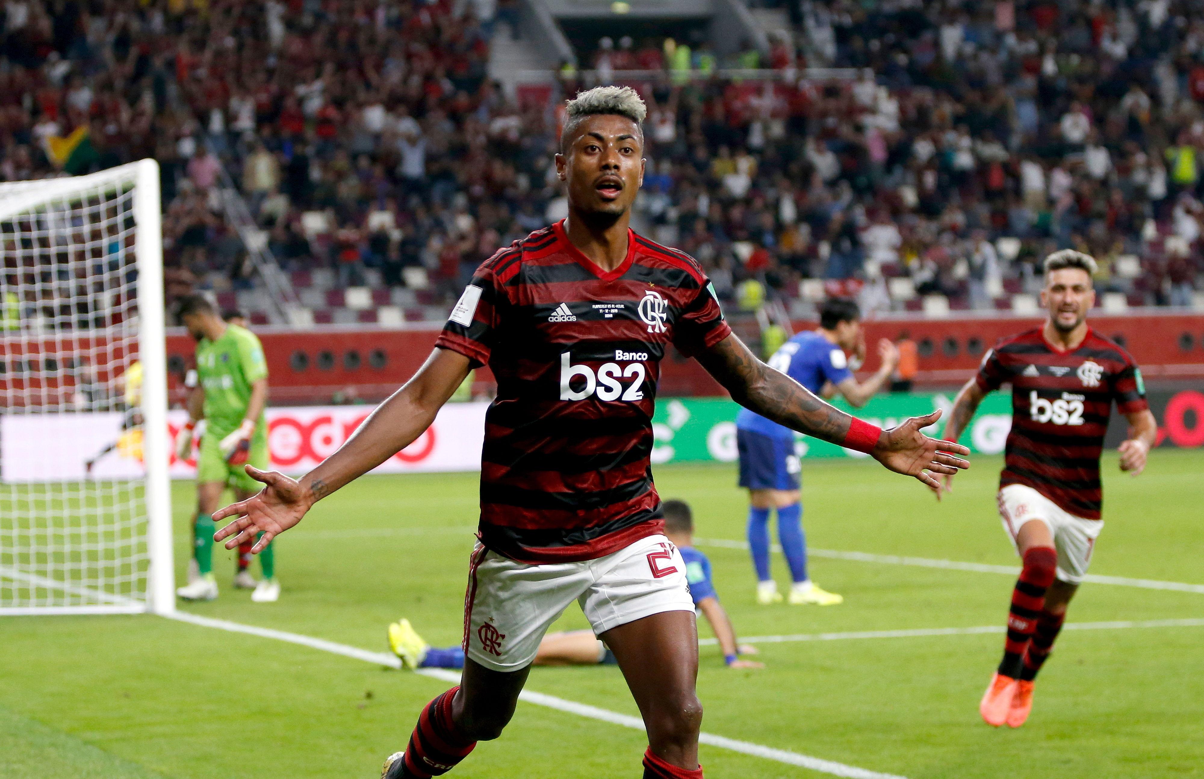 Bruno Henrique comemora o terceiro gol do Flamengo.