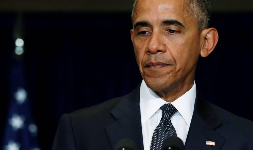 O presidente Obama se dirige à mídia em Varsóvia.