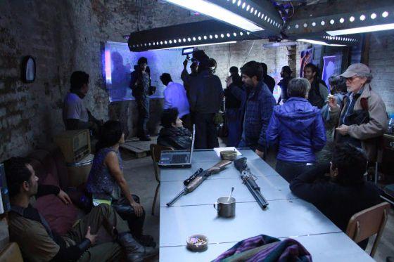 Cena das gravações da ficção científica 'Quito 2023'