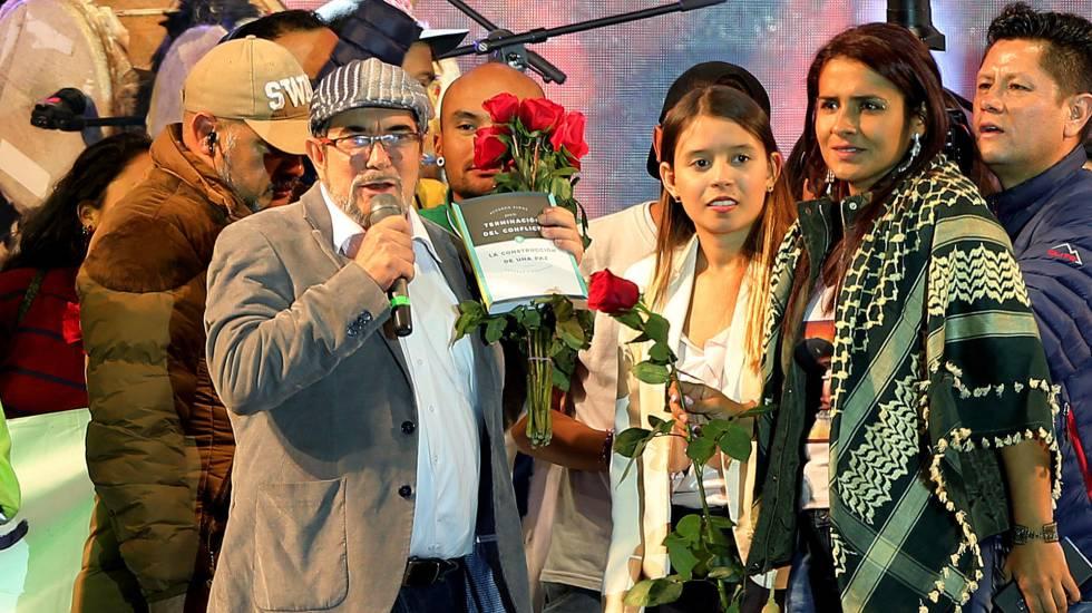 O ex-comandante das FARC Rodrigo Londoño, conhecido como 'Timochenko', no lançamento oficial do partido