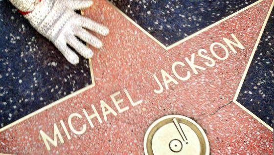 A marca do rei do pop, na calçada da fama, em Los Angeles.