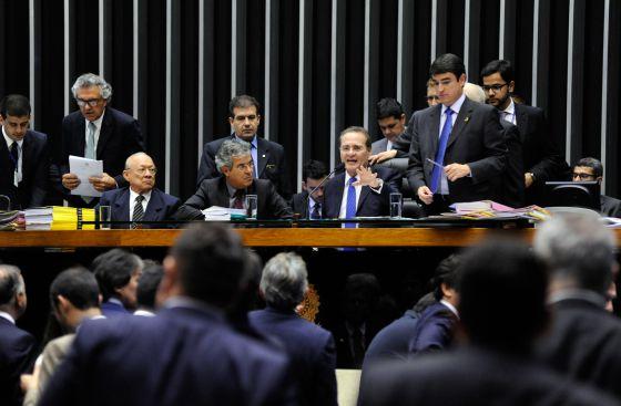 O presidente do Congresso, Renan Calheiros, na sessão unificada.