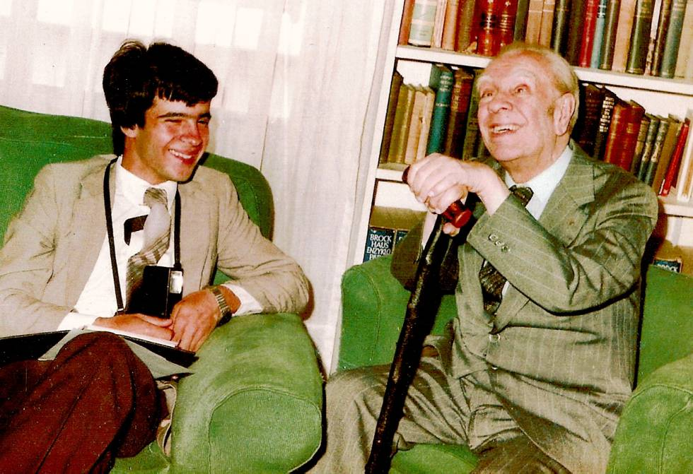 Claudio Pérez Míguez e Jorge Luis Borges em 1982 em Buenos Aires.