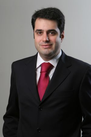 O professor Yuri Carajalescov.