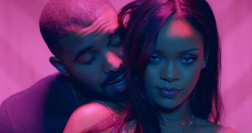 Imagem do videoclipe 'Work' de Rihanna.