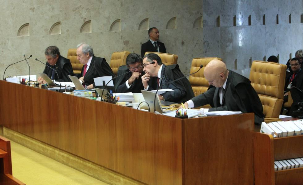 Ministros do STF durante sessão plenária desta quinta-feira.