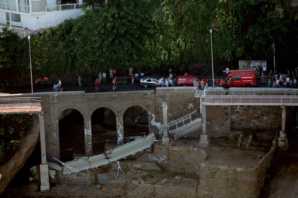 Trecho da ciclovia que desabou no Rio.
