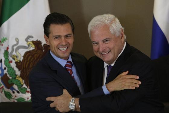 Peña Nieto e Ricardo Martinelli durante o Fórum Econômico.