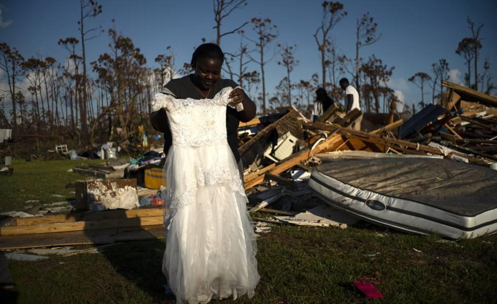 Uma das afetadas pelo Dorian, em 8 de setembro, e o que resta de sua casa destruída pelo furacão nas Bahamas.