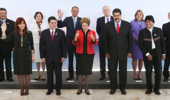 Dilma Rousseff com participantes da Cúpula do Mercosul no Brasil.