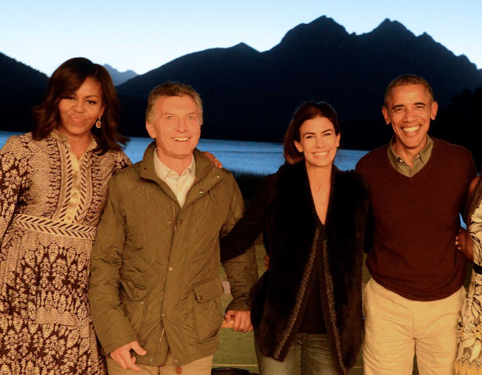 O presidente da Argentina, Mauricio Macri, e seu par dos Estados Unidos, Barack Obama, junto às primeiras damas em San Carlos de Bariloche, Neuquén, Argentina.