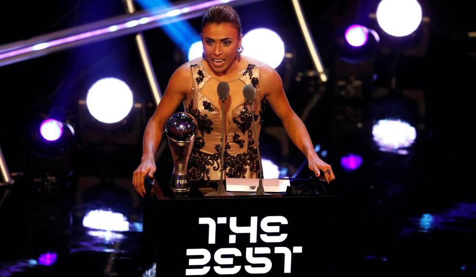 A brasileira Marta ganhou o prêmio de melhor do mundo pela sexta vez.