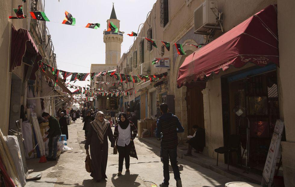 Uma rua na cidade velha de Trípoli.