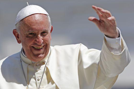 O papa Francisco durante uma audiência na praça de São Pedro.