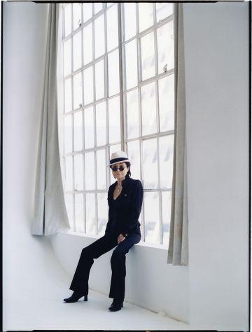 Yoko Ono, em imagem de divulgação da gravadora.